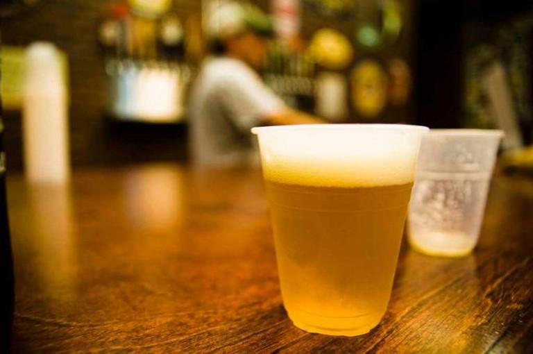 Growlers craft beer & ales tasting | © TheDigitel Beaufort /Flickr