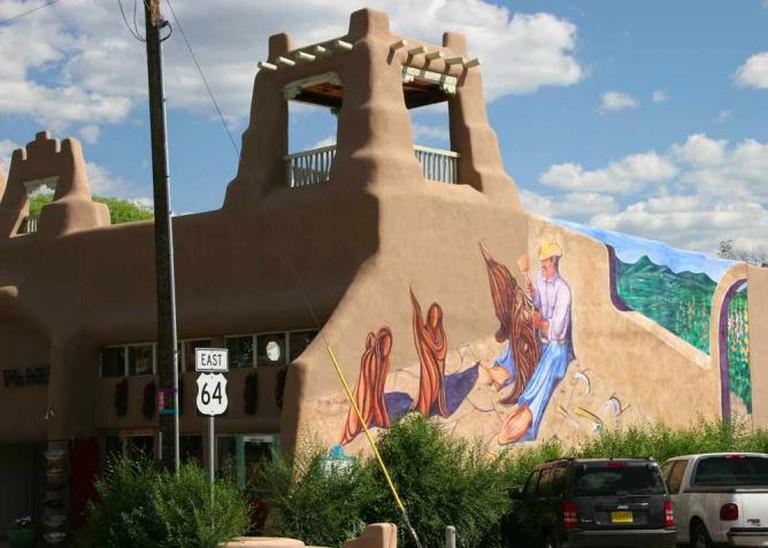 Mural near the Taos Plaza   © Khlnmusa/WikiCommons