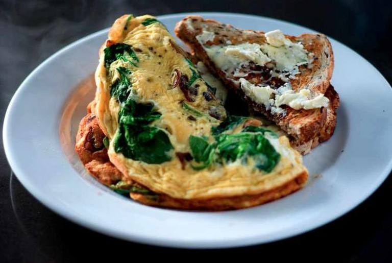 Mushroom and Spinach Omelet with Castello Herb Cheese Toast