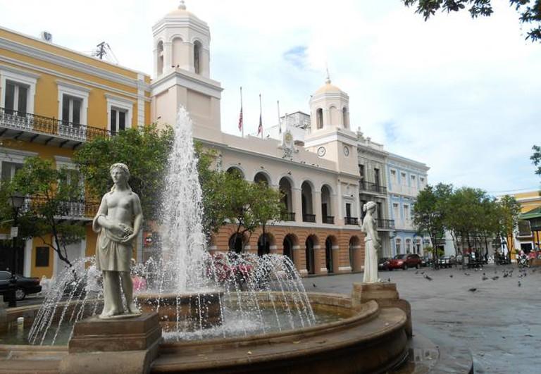 San Juan - Alcaldia in Plaza de Armas | © Roger W/Flickr