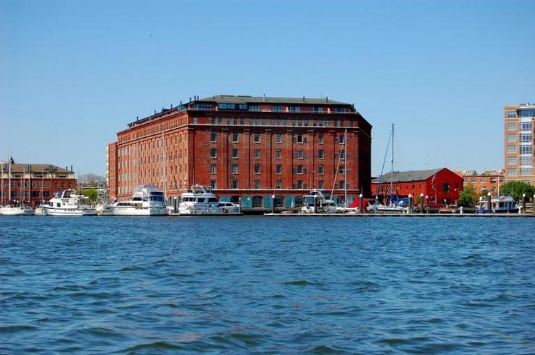 Henderson's Wharf Inn | © Larry Lamsa/Flickr