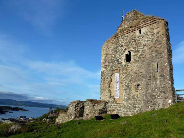 Tarbert Castle, Kintyre Way