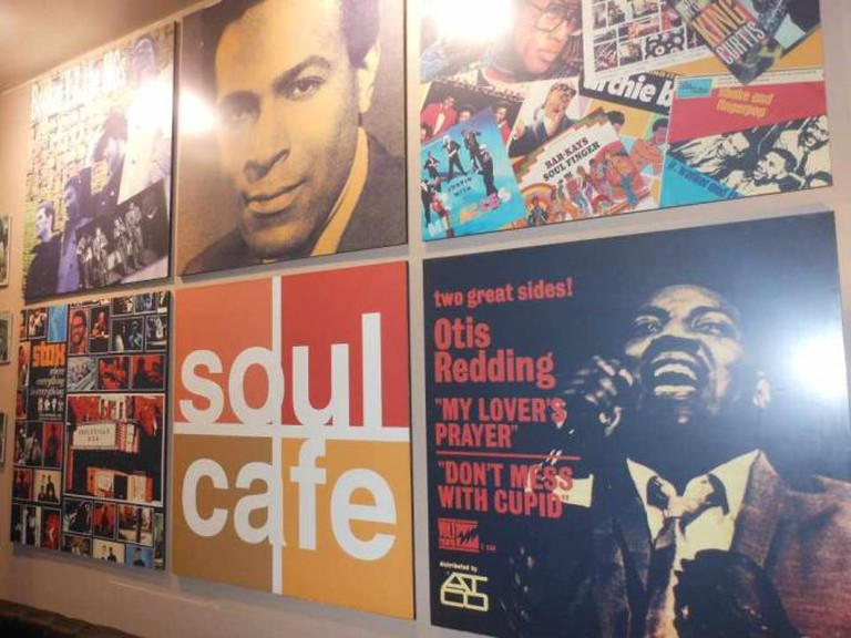 Décor | Courtesy of Soul Café and Bar