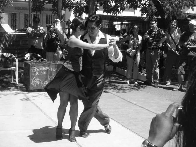 Tango on Plaza Dorrego | Ⓒ Andrew/Flickr