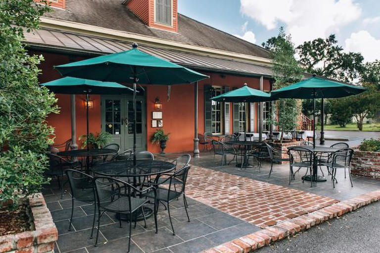 Patio at Jolie's Louisiana Bistro | ©Jolie's Louisiana Bistro