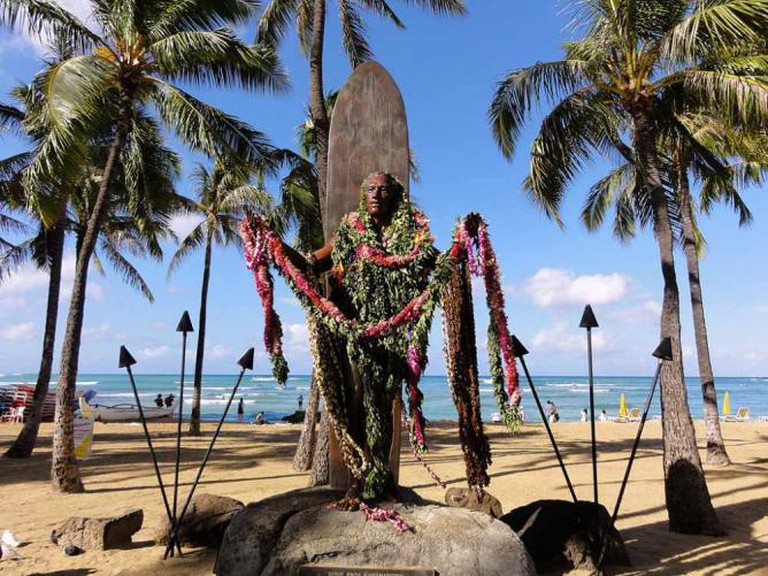 Duke Kahanamoku Memorial in Waikiki - Hawaii
