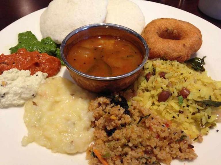 South Indian Breakfast - Idli, Umpa, Vada, Sambar| © Bill Scott/Flickr
