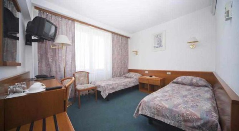 Image courtesy of Hotel Angara