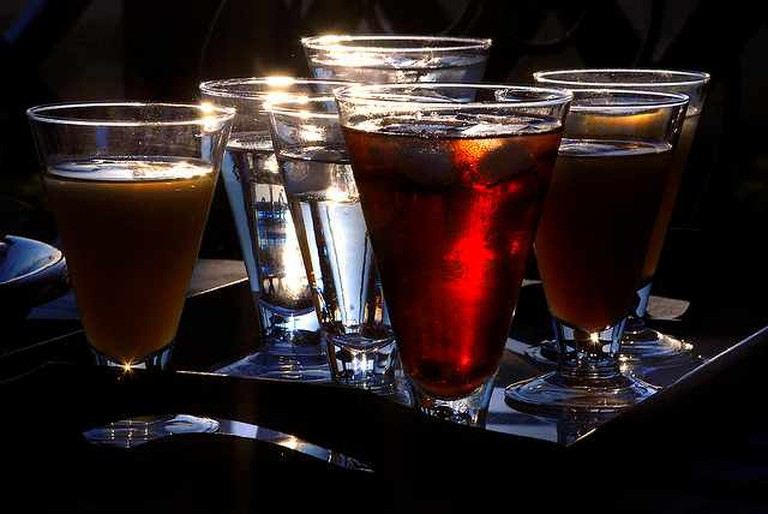 Sunset cocktail | © Angelo Amboldi