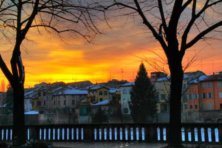 Sunset over Parma's skyline | © Elisa Contini/Flickr