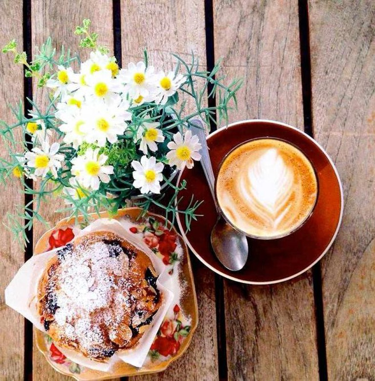 Blackberry and Almond Muffin with Coffee | © Cuppa Cottage.jpg