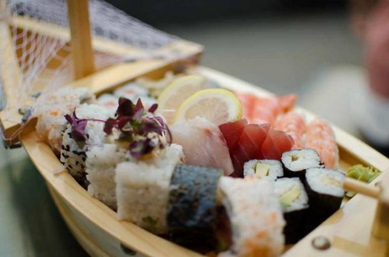 Sailing Sushi | © Alan Bloom/Flickr