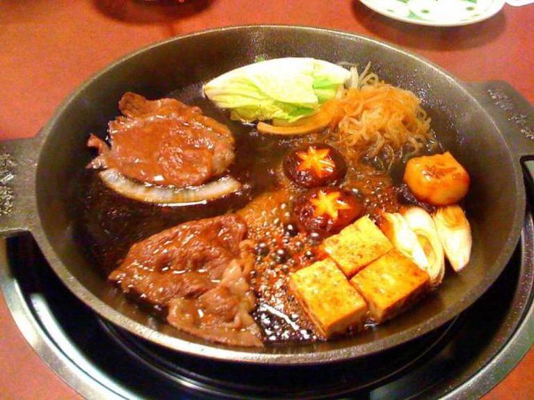 Sukiyaki | ©Zanpei/Flickr