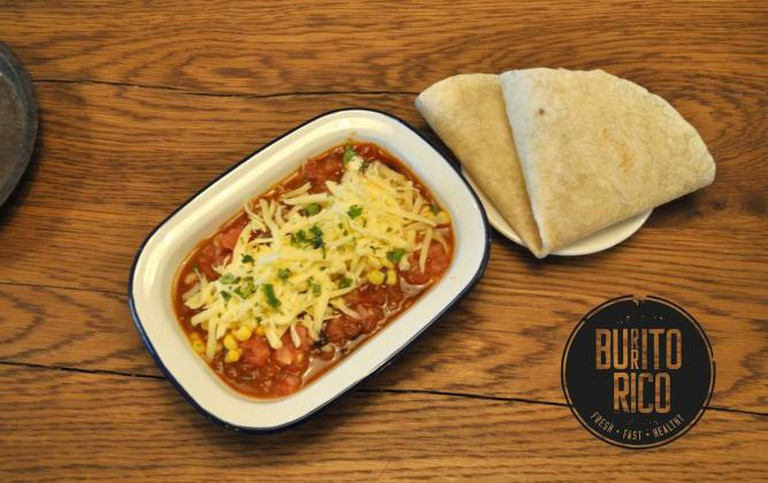 Tortilla with chili con carne | Courtesy of Burritorico