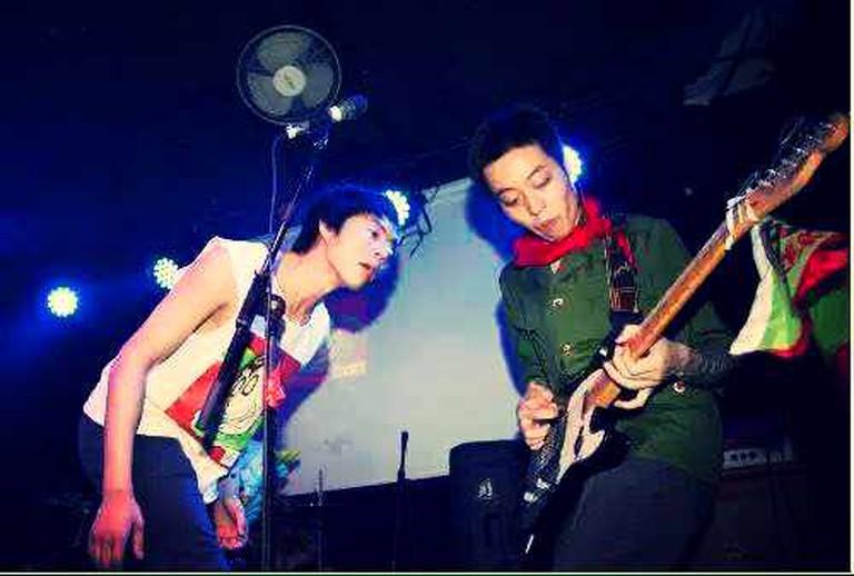 Punk rock band Dirty Fingers