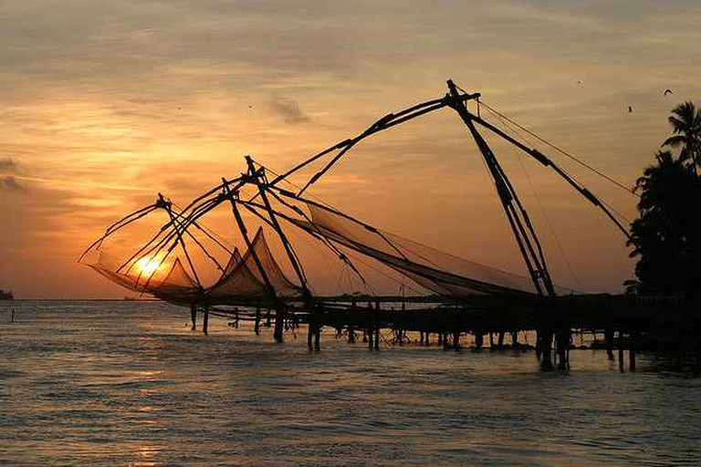 Chinese fishing nets, Cochin | © Brian Snelson/Flickr