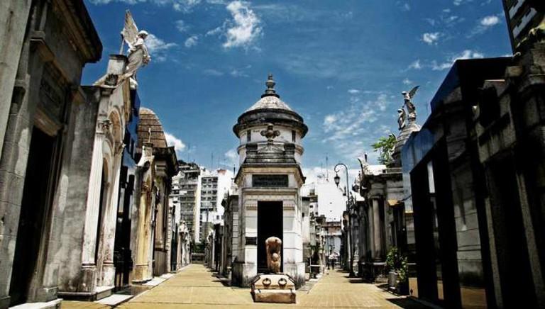 Recoleta Cemetery | Ⓒ Matt Hinsta/Flickr