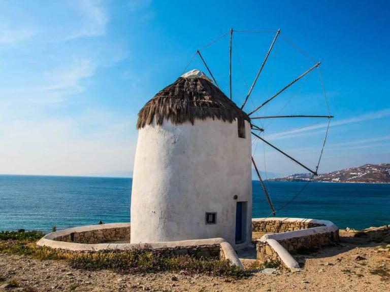Windmill | © Jaume Escofet/Flickr
