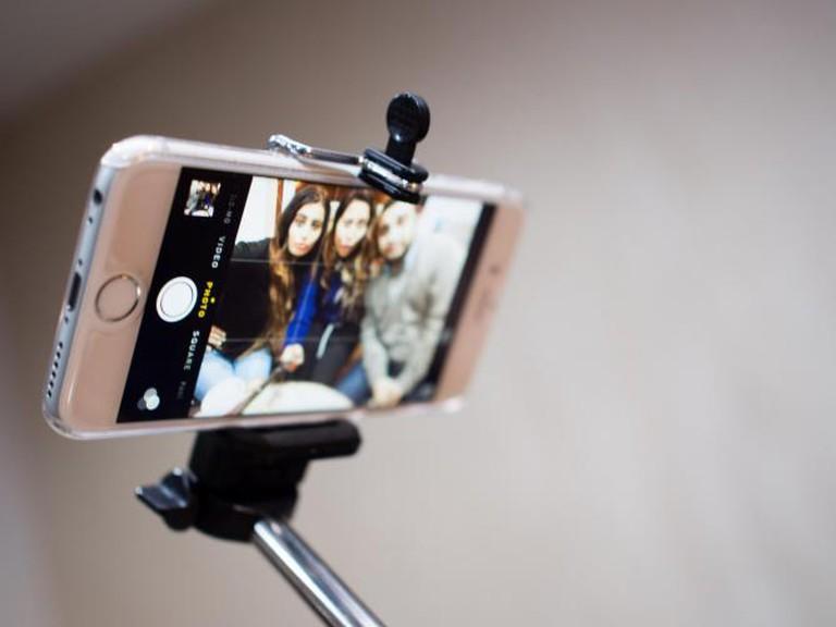 Selfie stick | © R4vi/Flickr