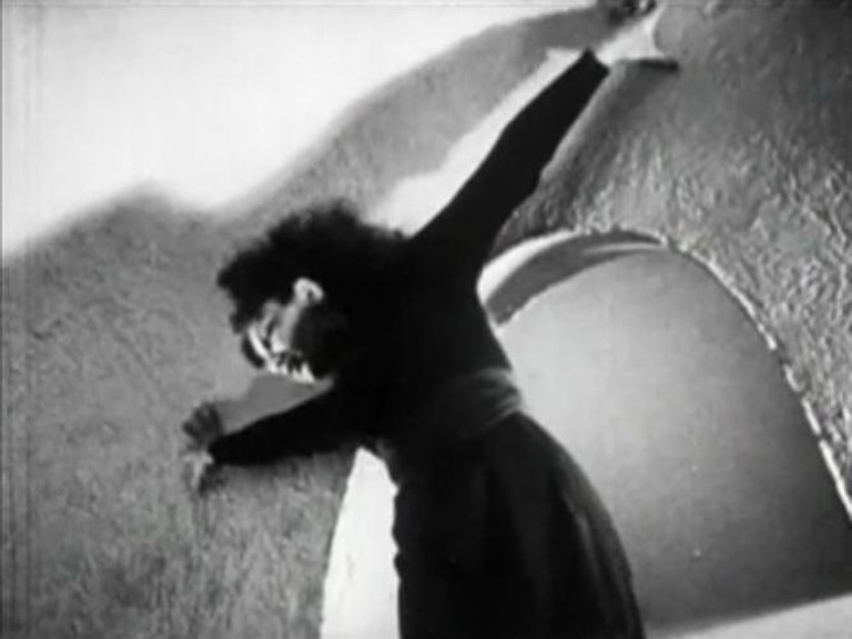 Meshes of the Afternoon | © Maya Deren/WikiCommons