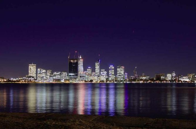 Perth Skyline by night | © vincentq/Flickr