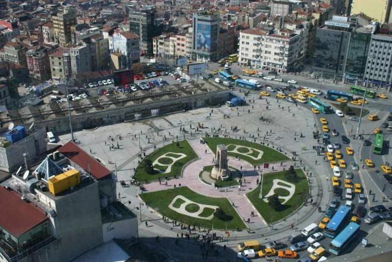 Taksim Square | © Bertilvidet/WikiCommons