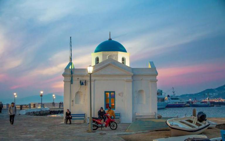 Church in Mykonos | © Jaume Escofet/Flickr