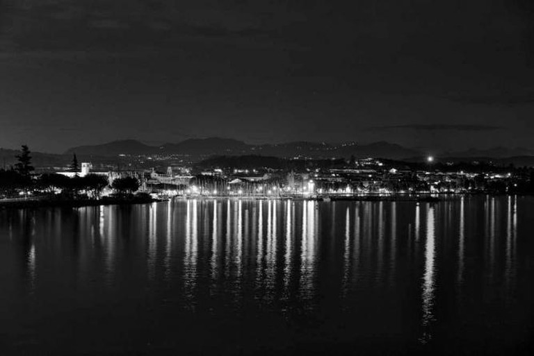 Desenzano del Garda at night