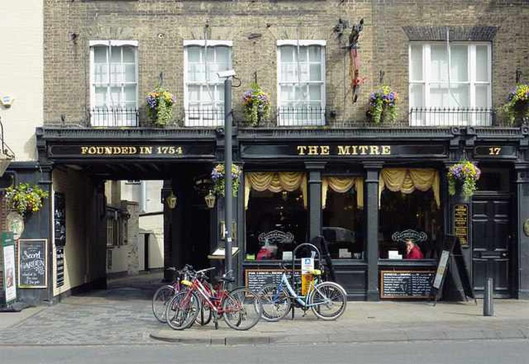 Exterior of the Mitre ©Roger Kidd/geograph.org