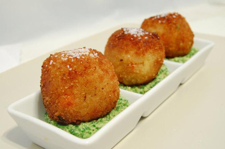 Arancini | © Two Helmets Cooking/Flickr