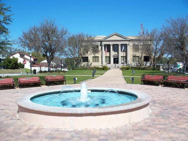 City Hall in Leesburg, FL | © Ebyabe/WikiCommons