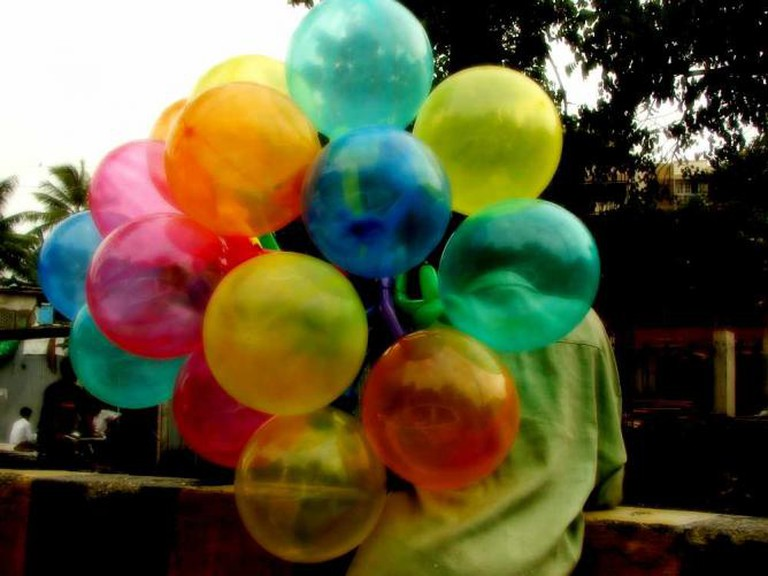 baloon seller l © Harini Calamur/Flickr