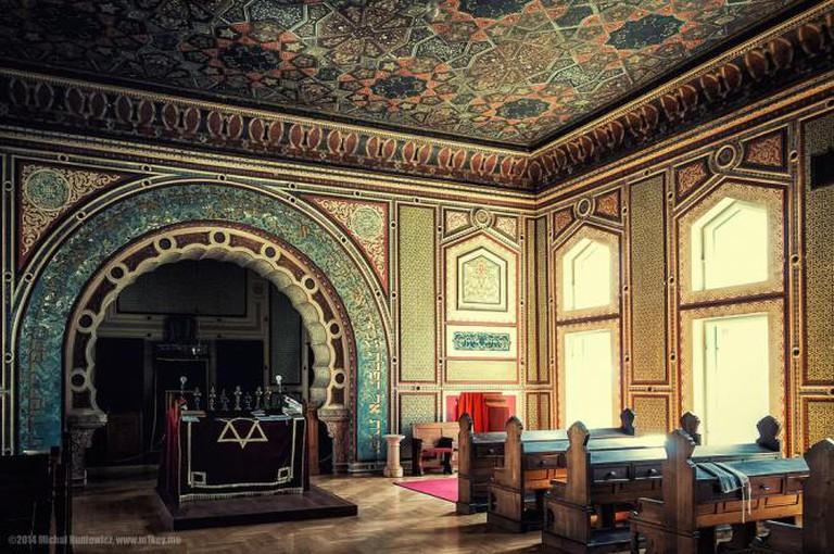 Inside Ashkenazi Synagogue | Ⓒ Michał Huniewicz/Flickr