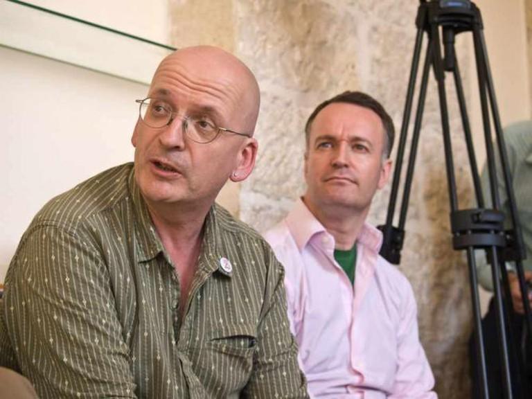 Roddy Doyle (left) at PalFest 2008 | © Palfest/Flickr