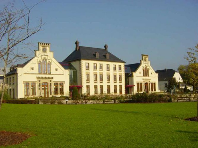 Mamer Castle, now the town hall   © Ipigott/WikiCommons