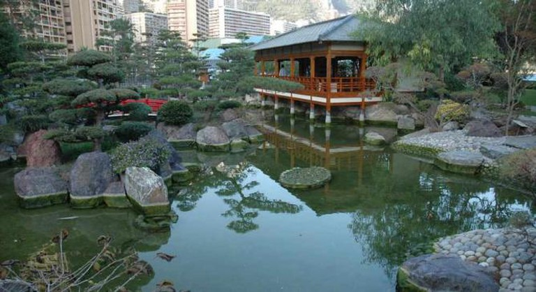 Pond in the Japanese Gardens | © NatLockwood/Flickr