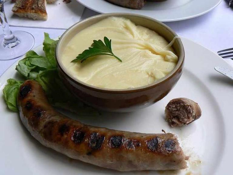 Aligot saucisse du Cantal | © Slastic/WikiCommons