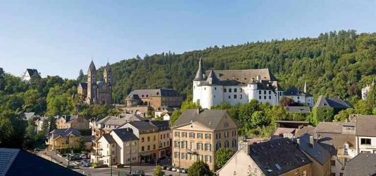 Clervaux's abbey and castle dominate the town's skyline | © Marco Kany/ONT