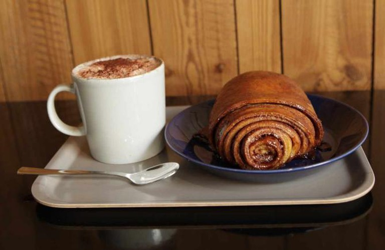 Coffee and cinnamon roll