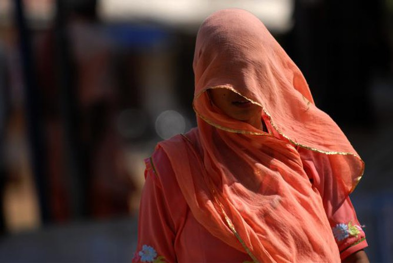 A woman from Rajasthan wearing a sari   © Kristian Bertel