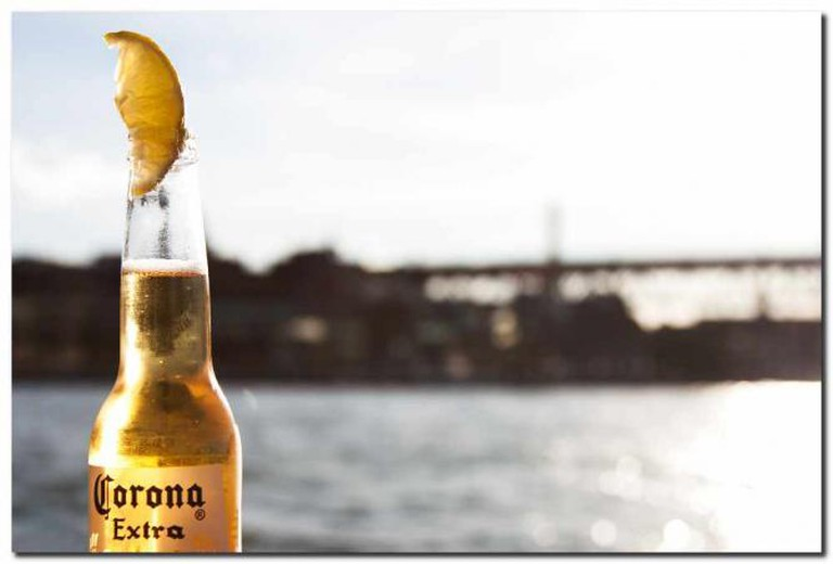 Corona and lime | © Sam Ilic/Flickr