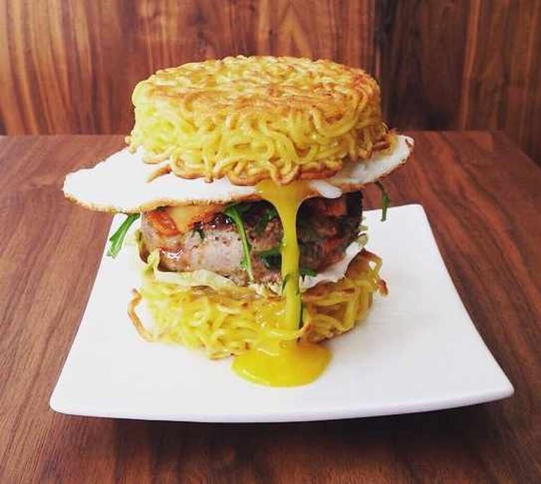 Ramen burger| © Umamido