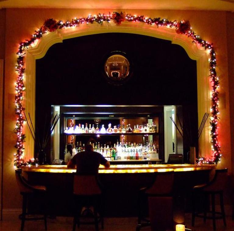 The Ritz-Carlton Hotel Bar | © Cellular Immunity/Flickr