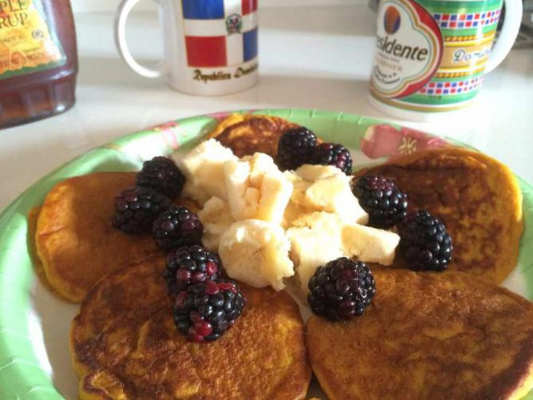 Banana Blackberry pancakes | © Kent MacElwee/Flickr