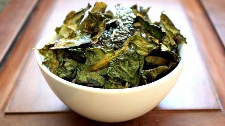 Kale tossed with olive oil I © Kasey Shuler/Flickr