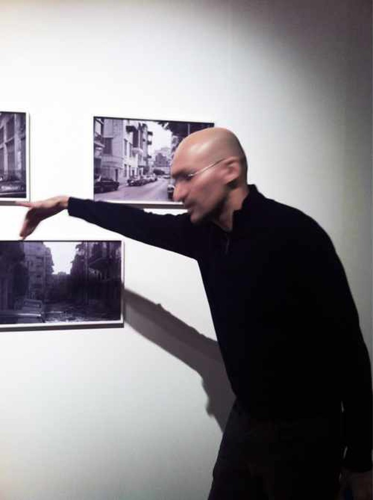 Walid Raad discussing his works at the Hasselblad Foundation in Göteborg, November, 2011 | © Max Ronnersjö/WikiCommons