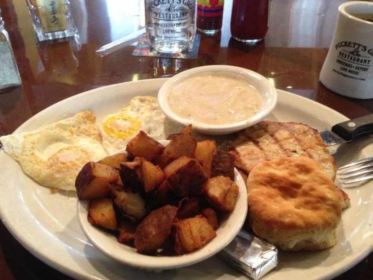 Breakfast at Puckett's