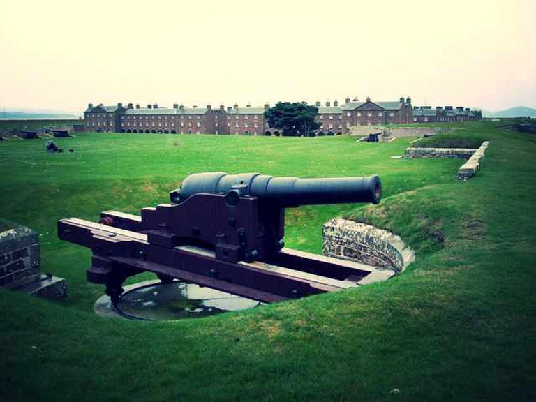 The sole surviving example of a MK1 RML 64 pounder 64 cwt gun at Fort George