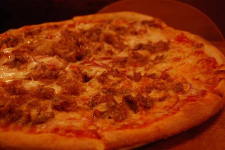 Sausage pizza | © stu_spivack/Flickr