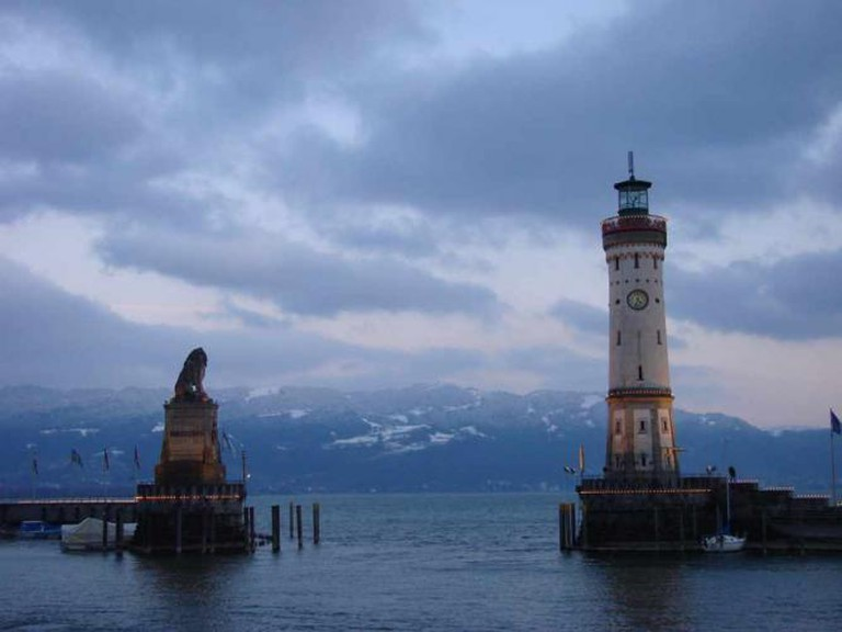 Neu Lighthouse